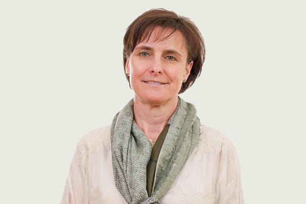 Yvonne Platis - Rezeption Praxis für Physiotherapie Pro Corpore